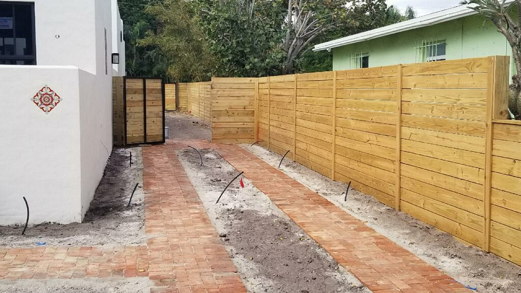 residential wood fence installation in San Francisco CA